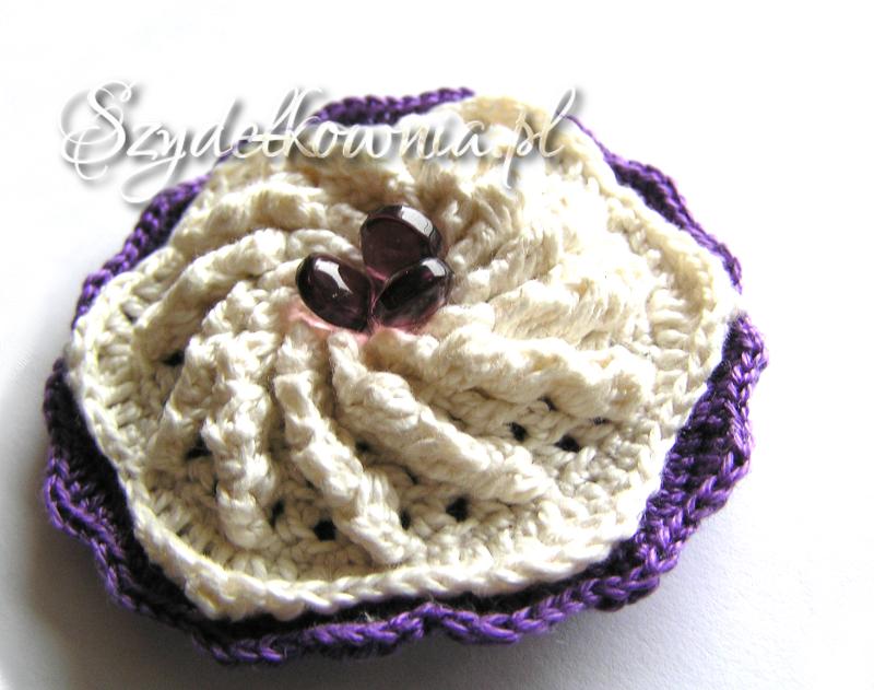 fioletowo-kremowa