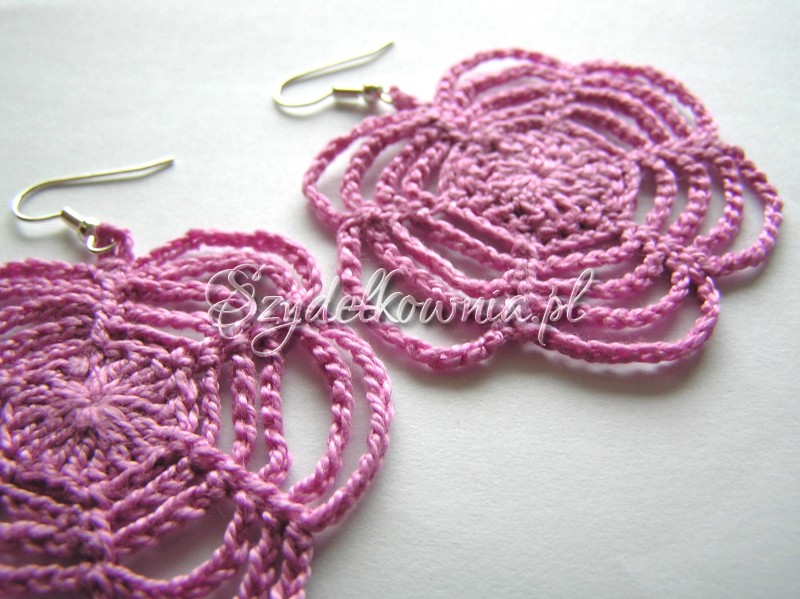 różowe pajęczynkowe