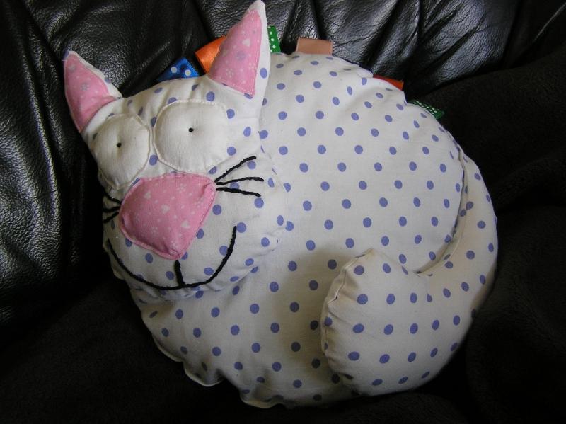 kotek przytulanka