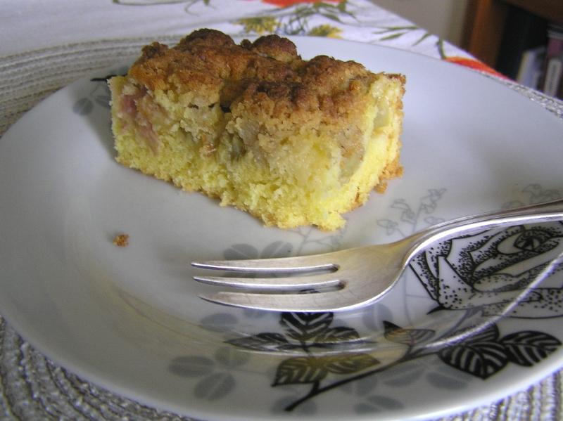 ciasto ucierane z rabarbarem 04