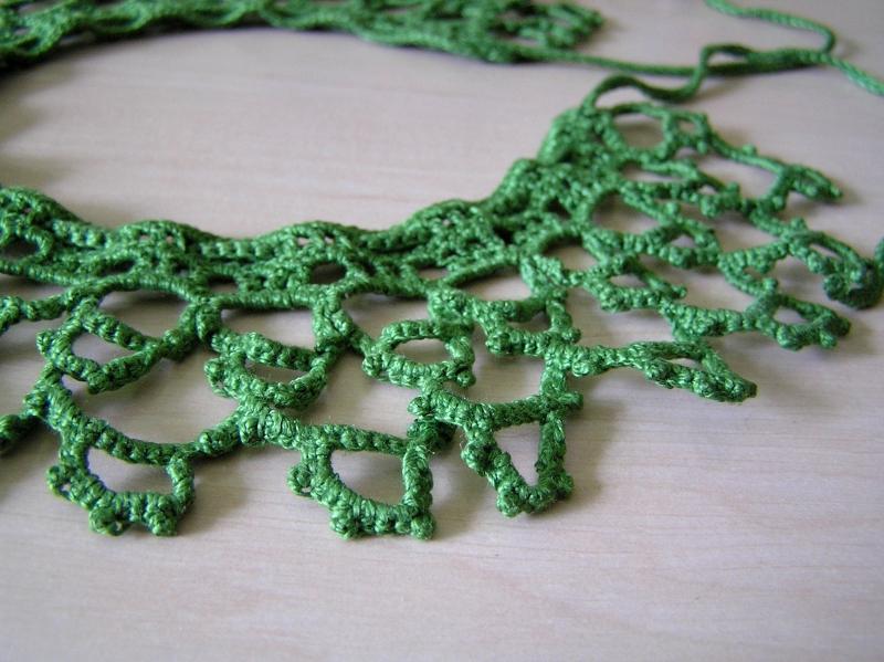 zielony kołnierzyk