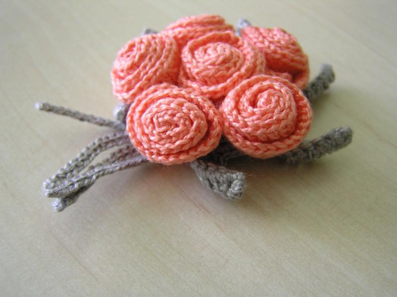 broszka różyczki 02