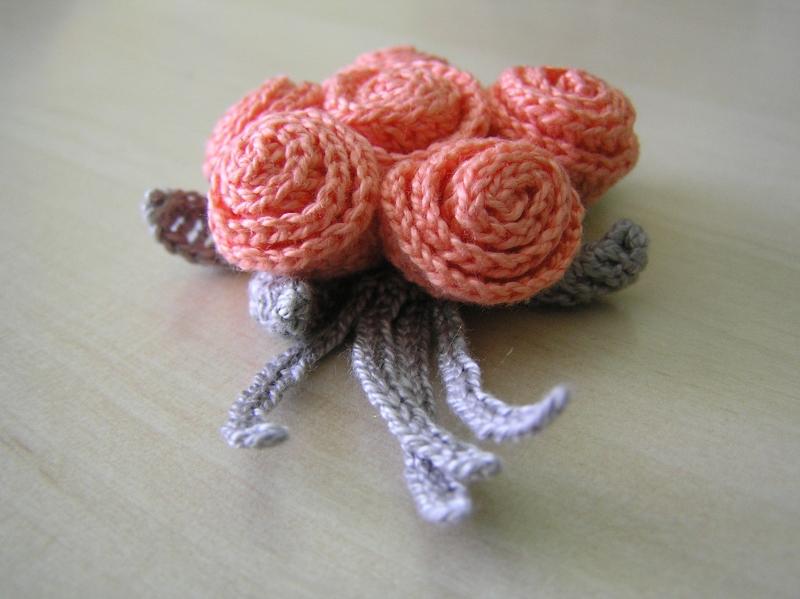 broszka różyczki 03